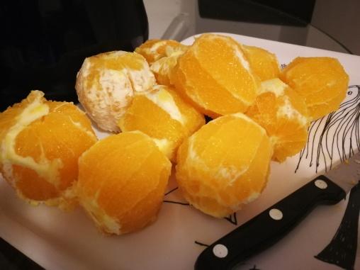Narandže očistite od kore