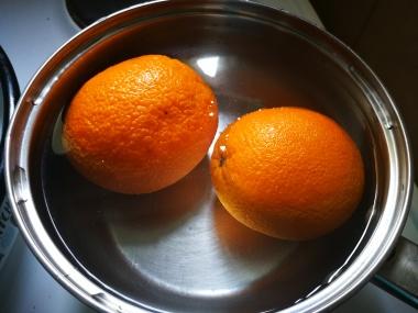 Voće u rastvoru vode i sode bikarbone