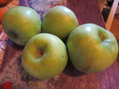Jabuke, malo kisele
