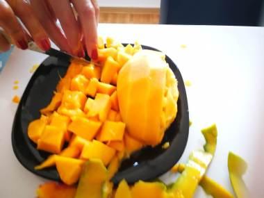 Mango iseći na kockice